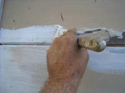 Грунтовка ГФ 021 – хороший помощник для работы с деревом и металлом
