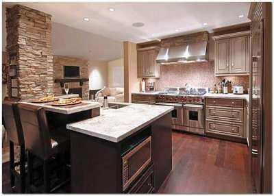 Ремонт современной кухни: потолок из гипсокартона